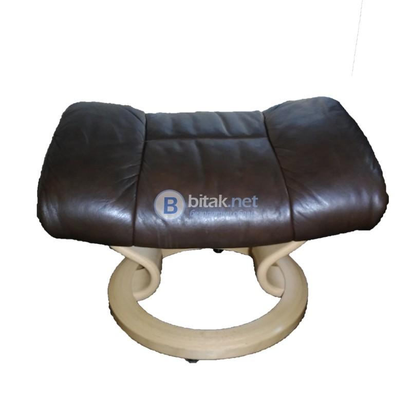 Продавам диван от естествена кожа