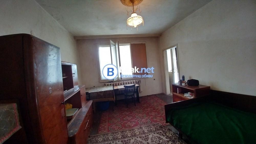 Четиристаен тухлен апартамент, 129кв.м, гр. Търговище