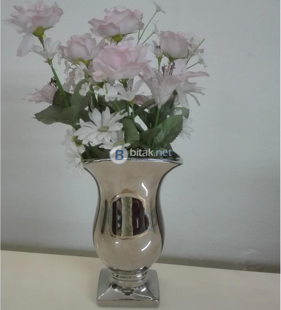 Порцеланова ваза за цветя 40 лв.