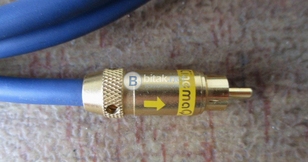 Audioquest CinemaQuest VSB1 75Ohm silver plated cables with  gold plated connectors.