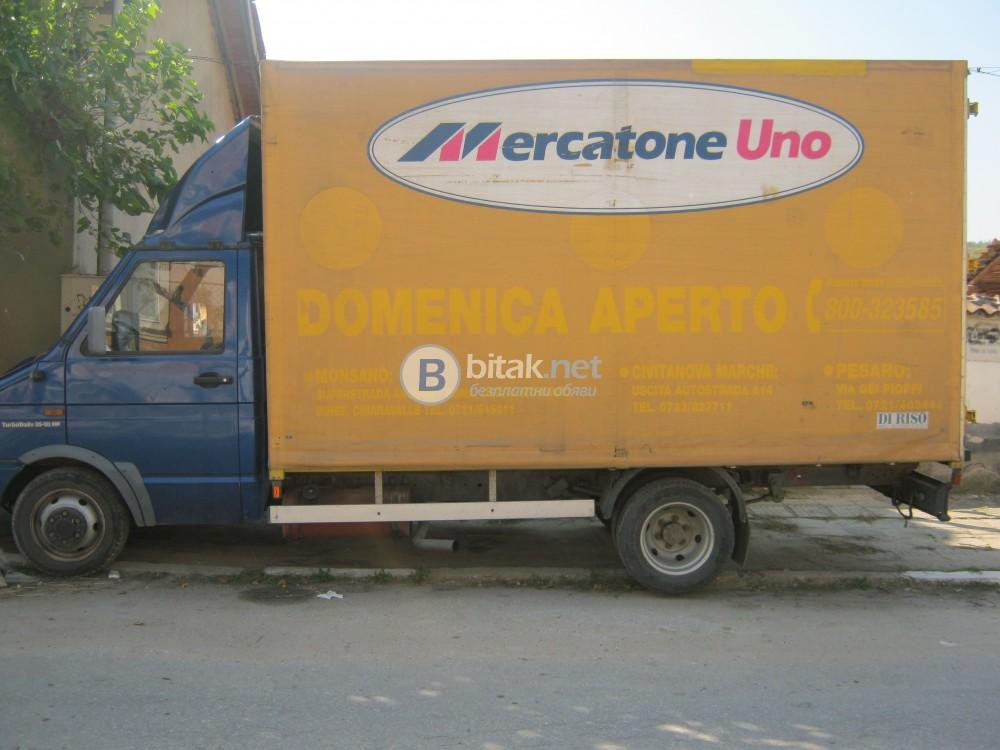 Продавам врати за фургон на микробус