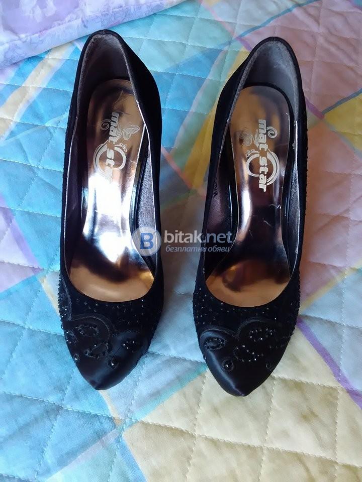 Красиви обувки с висок ток