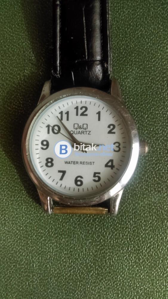Ръчен часовник Q&Q