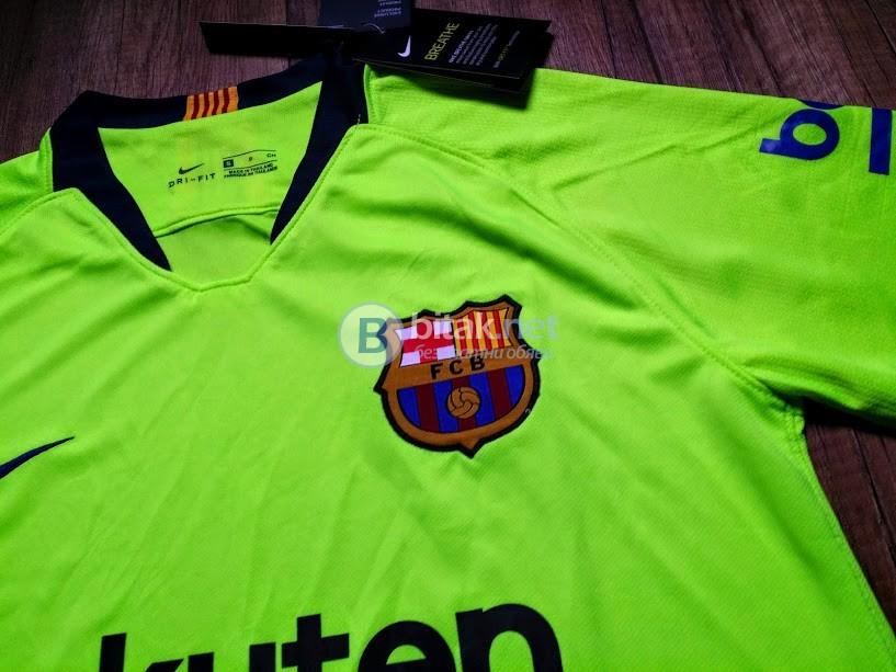 Меси 10 - Барселона гостуващ екип