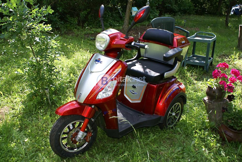 Продавам Инвалидна електрическа триколка 1500W