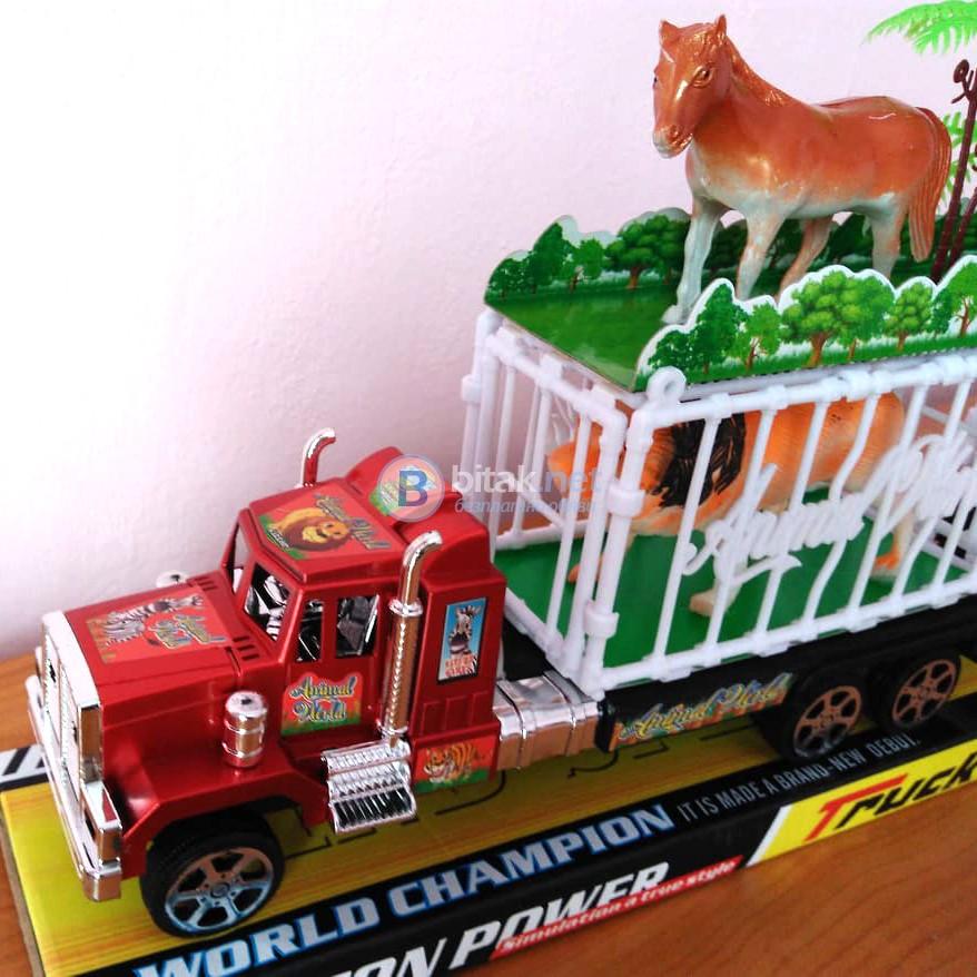 Голям детски камион с две клетки и 5 животни - кон тигър лъв 47см