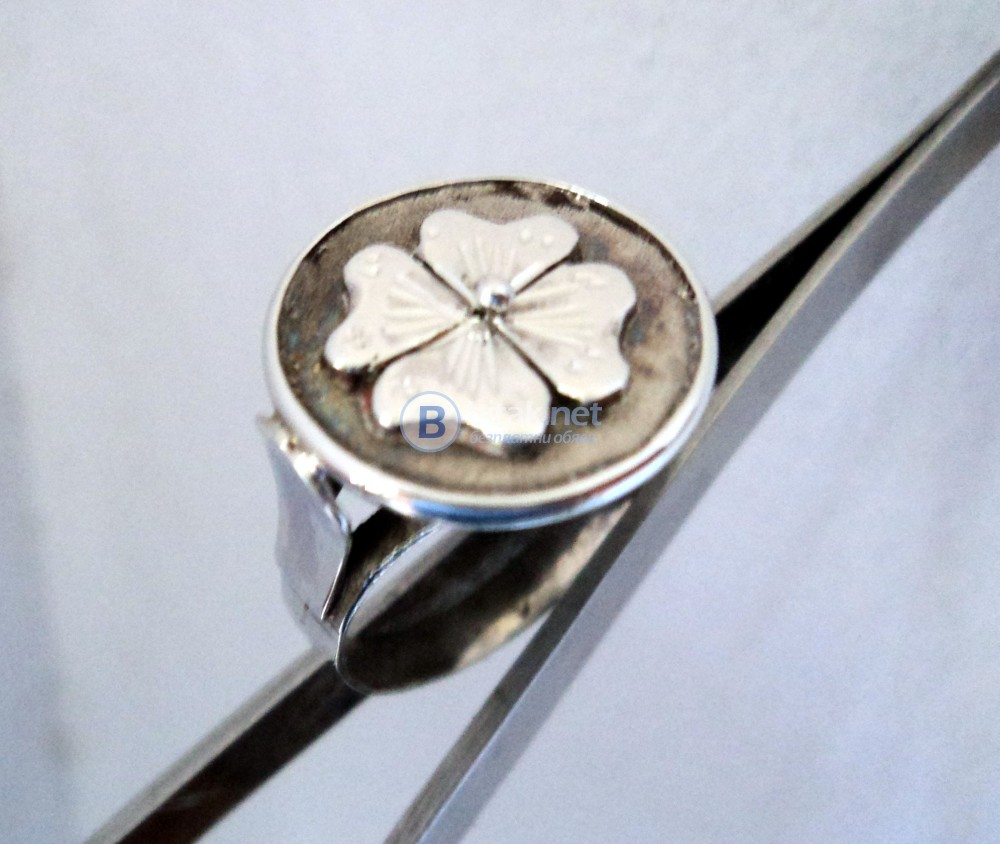 модел 456  Изработен от масивно сребро дамски пръстен