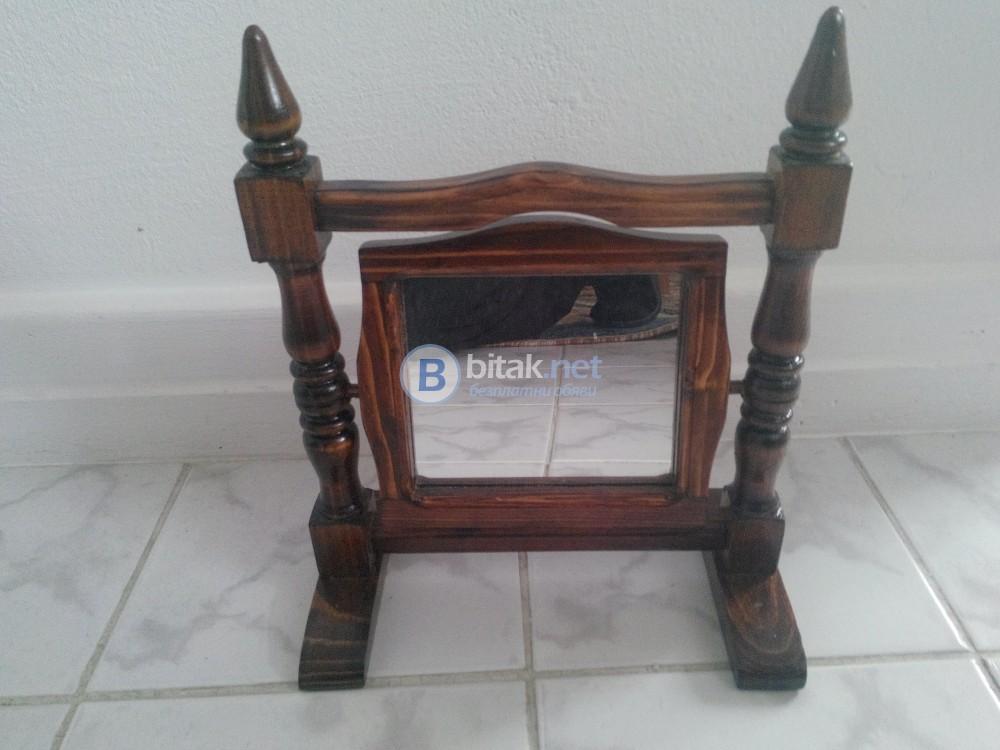Сувенири подвижно огледало направено от дърво размери 25 х 30 см