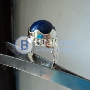 модел 441   Изработен от масивно сребро   Пръстен подходящ както за жени така и за мъже с лапис лазу