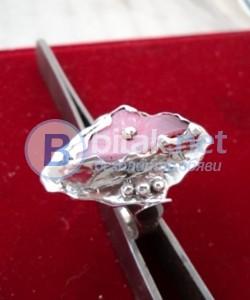 модел 425  Изработени от масивно сребро  Дамски пръстен с апликация и гравировка